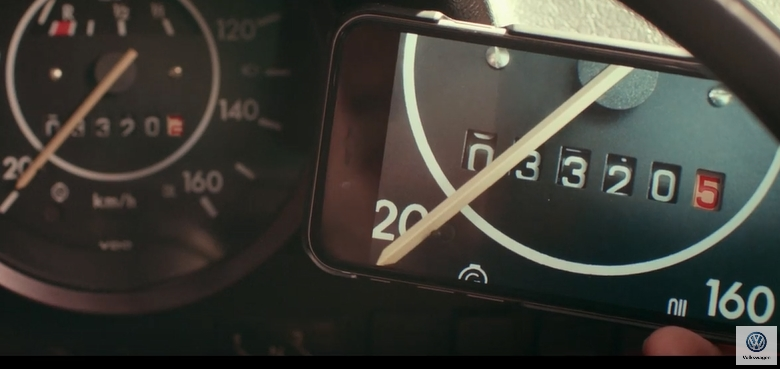 blog-vw-commercial-tellerstand
