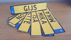 Voorbeeld kenteken naamkaartjes